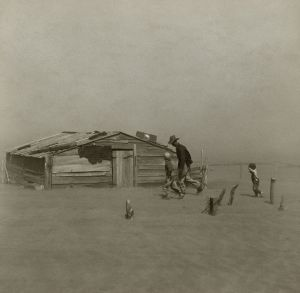 Farmer_walking_in_dust_storm_Cimarron_County_Oklahoma2